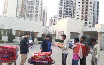 Distributed blanket on New Year day to labours